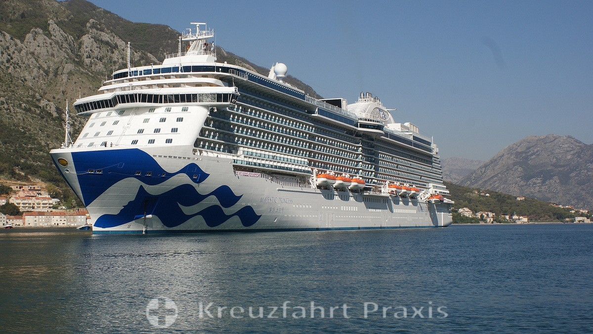 princess cruises majestic princess in kotor