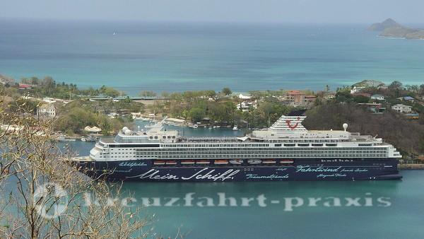 Mein Schiff 1 vor St. Lucia