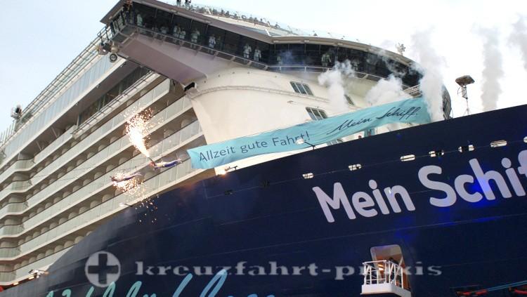 Mein Schiff 4 - Beim Taufakt in Kiel