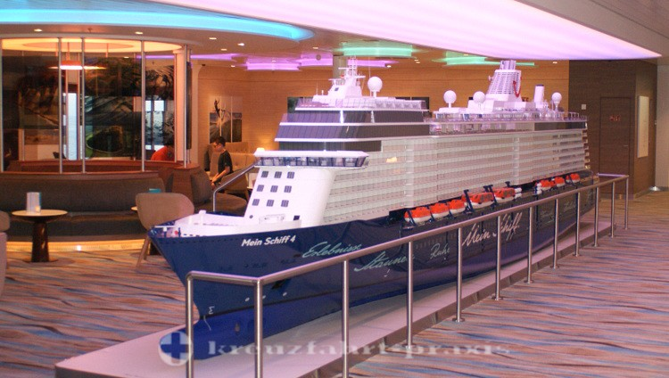 Mein Schiff 4 - ship model