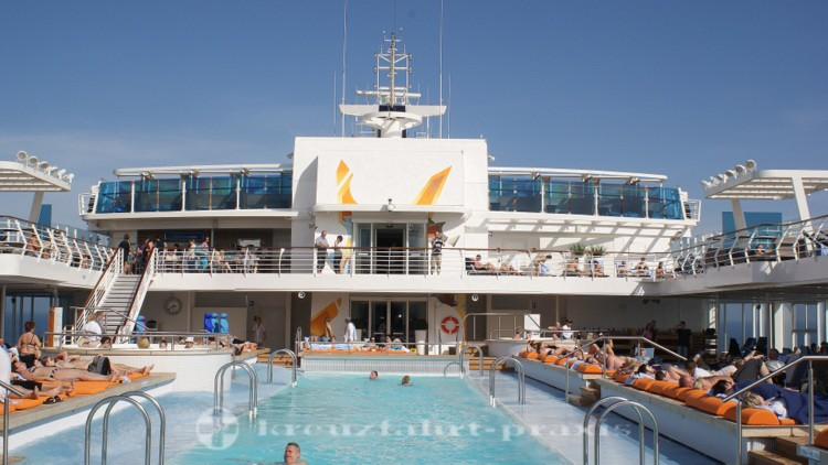 Mein Schiff 4 - outdoor swimming pool