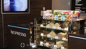 Pralinenangebot in der Nespresso Bar