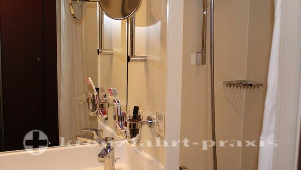 MS Astor - Badezimmer
