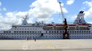 Over and over - the cruise ship MS Astor is scrapped