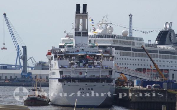 MS Astor in Hamburg