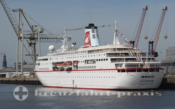 MS Deutschland in Hamburg