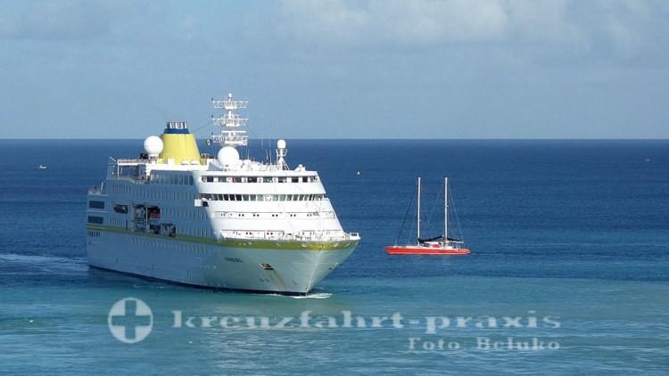 MS Hamburg im Hafen von Bridgetown/Barbados