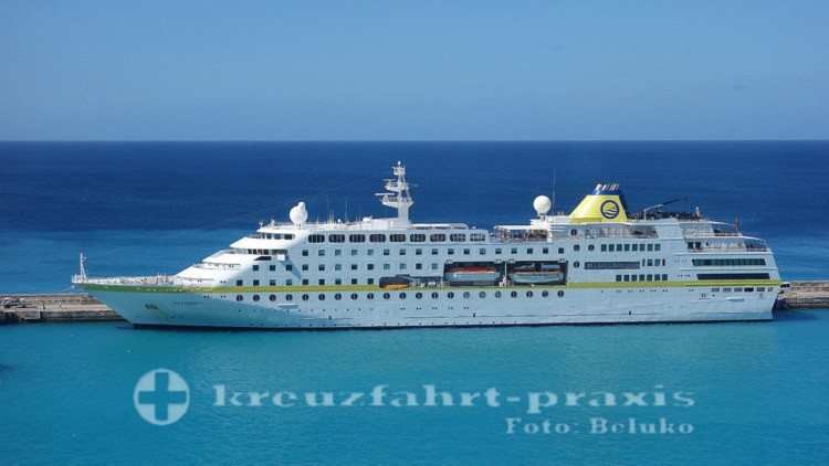 MS HAMBURG - In the port of Bridgetown / Barbados