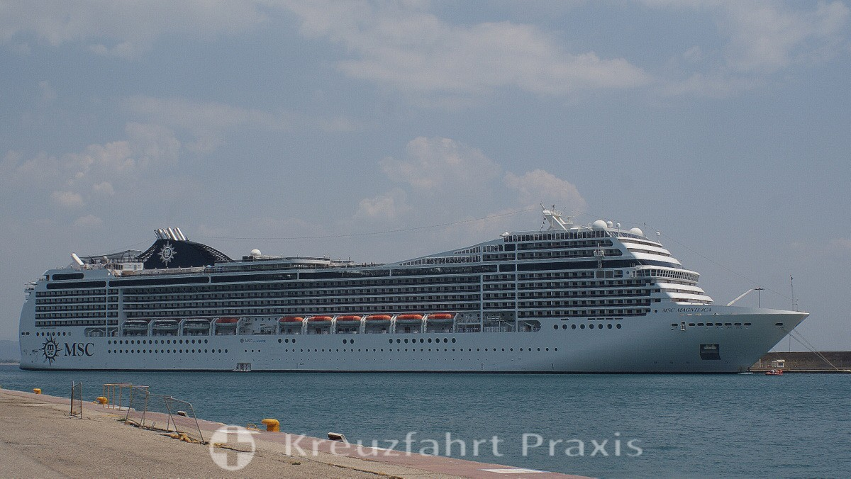 MSC Magnifica in Katakolon