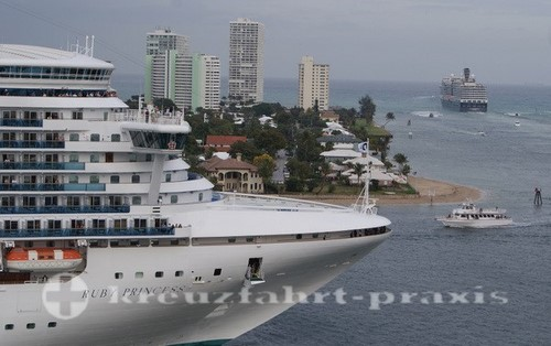 MSC Poesia - Schiffe in Port Everglades