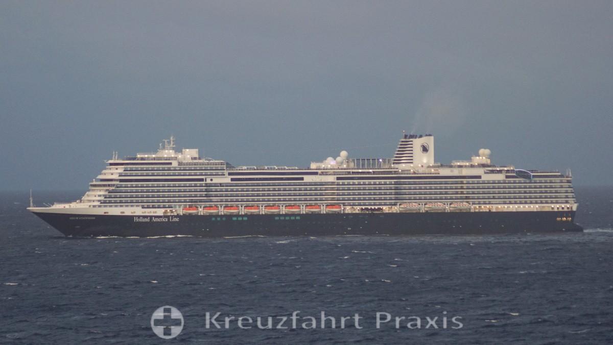 Holland America Line - MS Nieuw Statendam - Begegnung auf hoher See