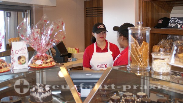 Norwegian Getaway - Carlo's Bake Shop
