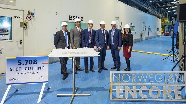 Norwegian Encore - Das Steelcutting Team