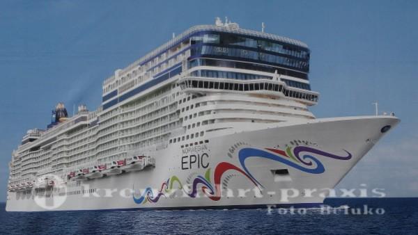 Norwegian Epic 602 vor Barcelona