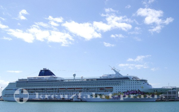 Norwegian Sky in Miami mit alter Bemalung