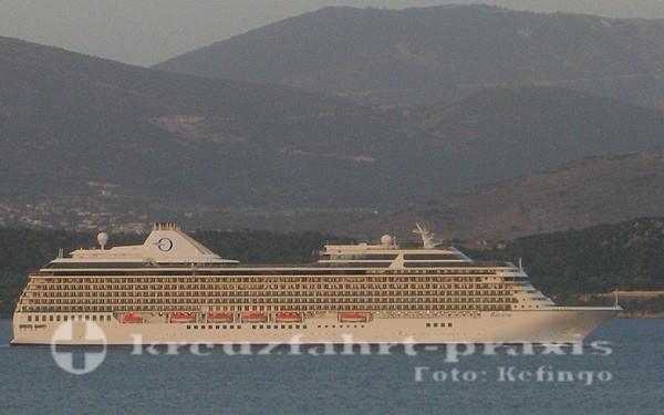MS Riviera vor Argostoli