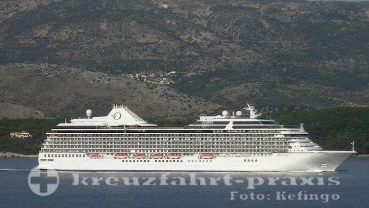 Oceania Riviera vor Argostoli/Kefalonia