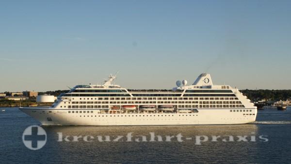 Cceania Cruises - Regatta verlässt Portland/Maine