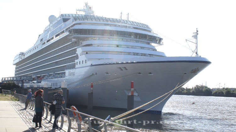 Oceania Cruises - Marina in Hamburg