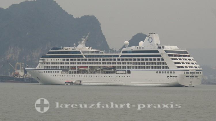 Oceania Nautica vor Halong/Vietnam