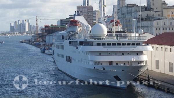 Orient Queen ll - Ex-Vistamar im Hafen von Recife
