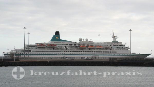 MS Albatros im Hafen von Arrecife
