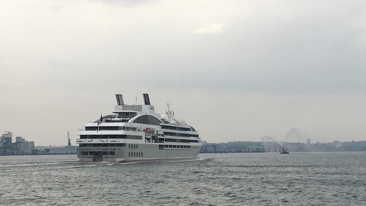 PONANT - Le Soleal beim Einlaufen in den Kieler Hafen