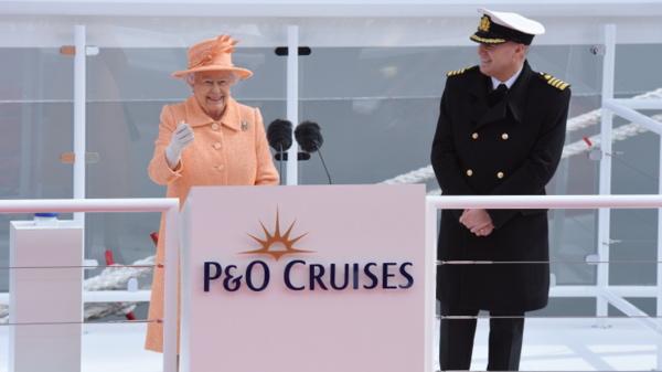 P&O Britannia - Taufakt - Die englische Königin und der Kapitän des Schiffs