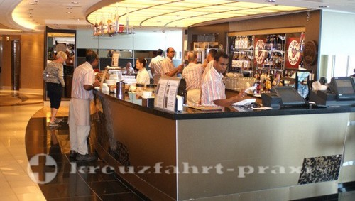 Ventura - Kellner der Tazzine Bar