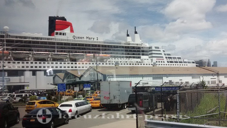 Queen Mary 2 - Brooklyn Cruise Terminal/NY