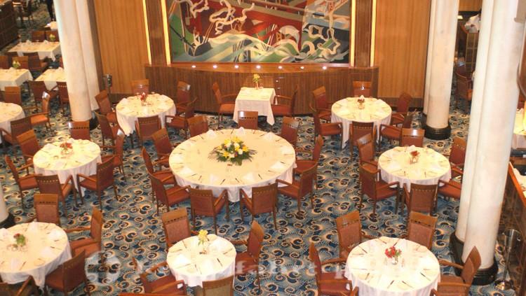 Queen Mary 2 -Britannia Restaurant Deck 2 und 3