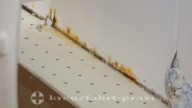 Queen Mary 2 - Schäden Balkonkabine 4187