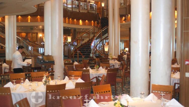 Queen Mary 2 - Britannia Restaurant