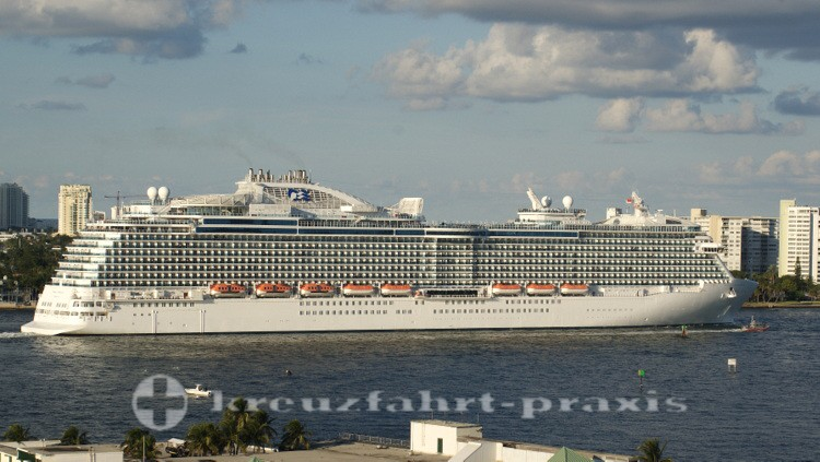 Schwesterschiff Regal Princess in Fort Lauderdale