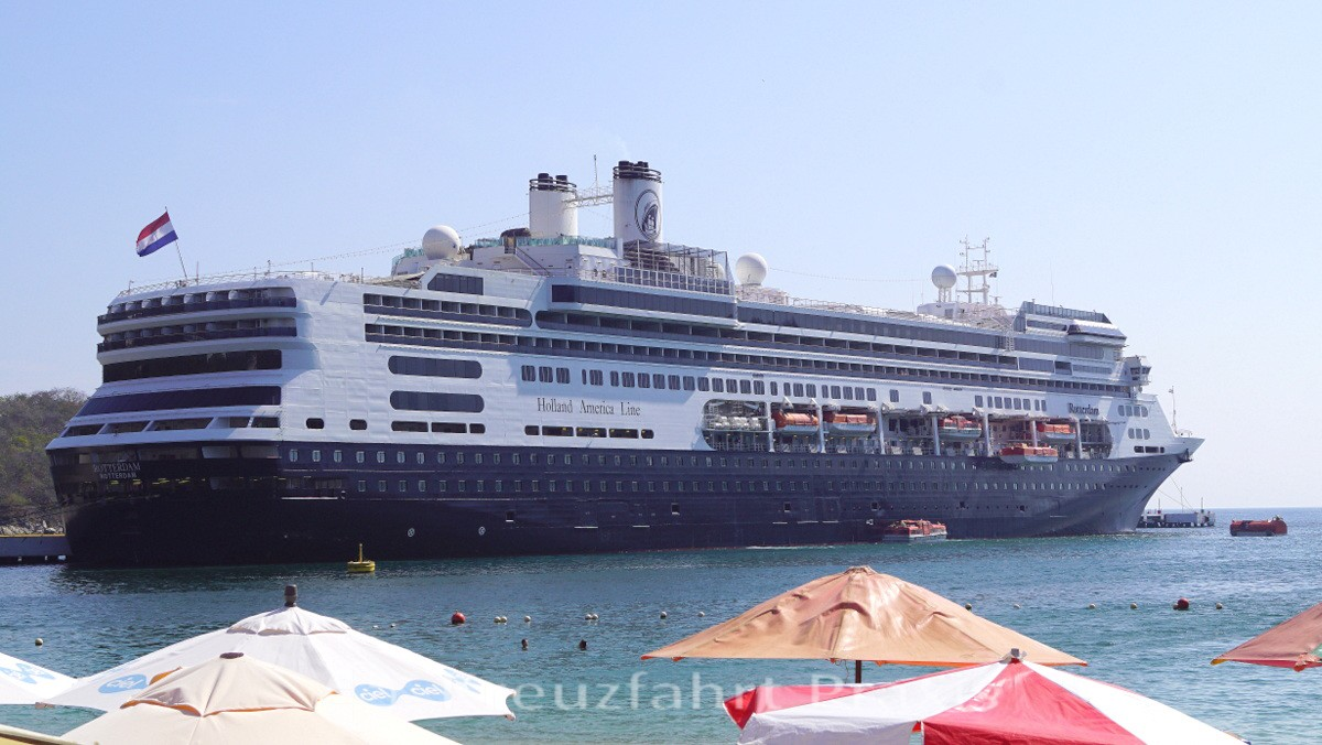 MS Rotterdam in Huatulco/Mexiko
