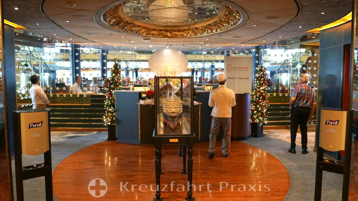 Reception area of the Main Dining Room of the MS Rotterdam
