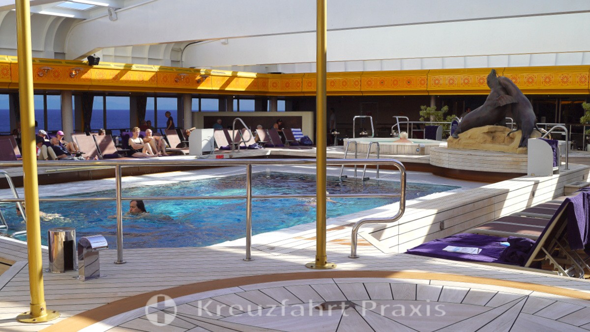 Lido Pool of the MS Rotterdam