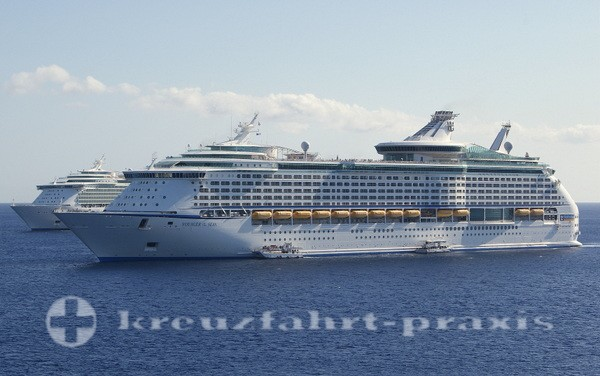 Voyager of the Seas vor Grand Cayman