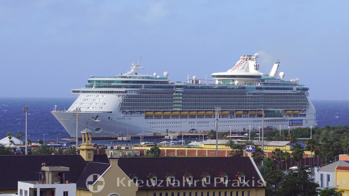 Freedom of the Seas in Willemstad/Curaçao