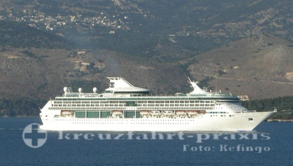 Splendour of the Seas vor Kefalonia