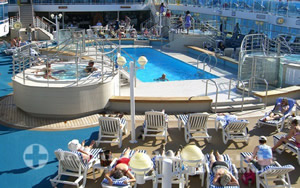 Island Princess - Lido Pool