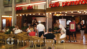 Mariner of the Seas - Café Promenade