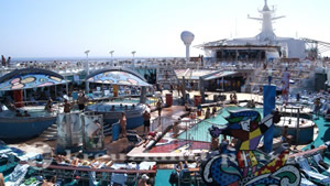 Mariner of the Seas - Pooldeck