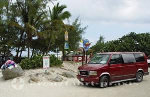 Sint Maarten - Sammeltaxi am Strand