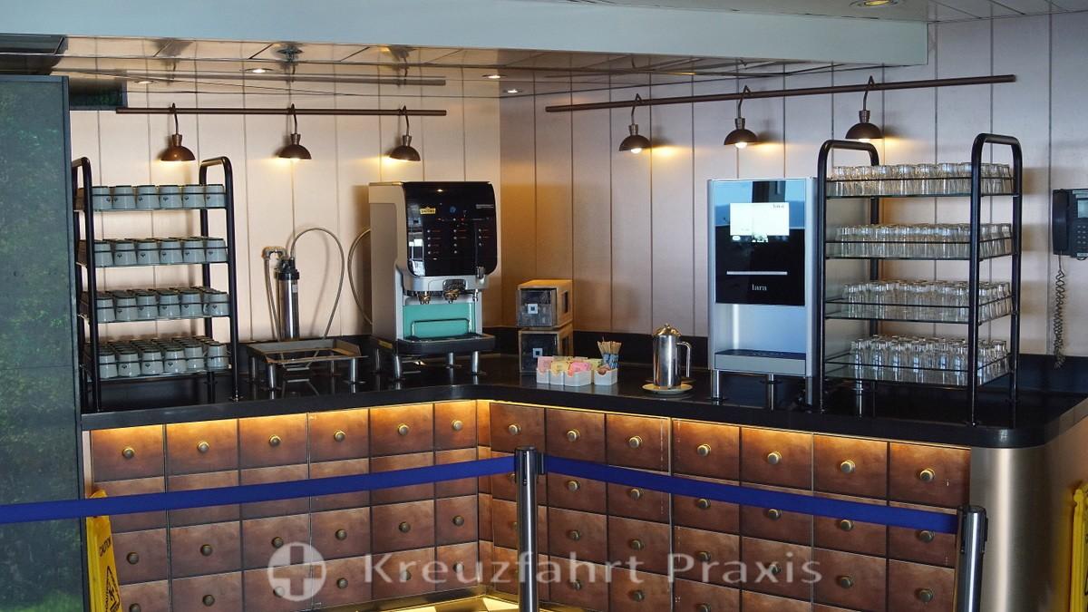 VASCO DA GAMA - Club Bistro - water and coffee station