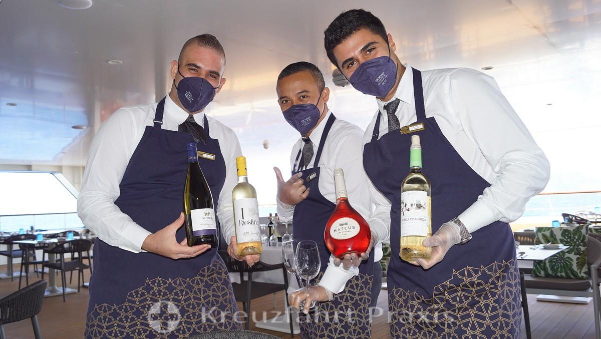 WORLD VOYAGER - Wine tasting on the Al Fresco terrace