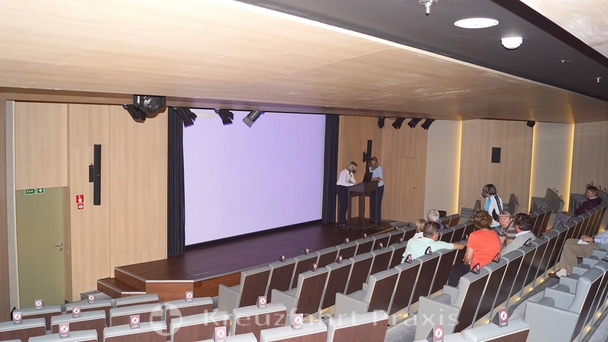 WORLD VOYAGER - Auditorium