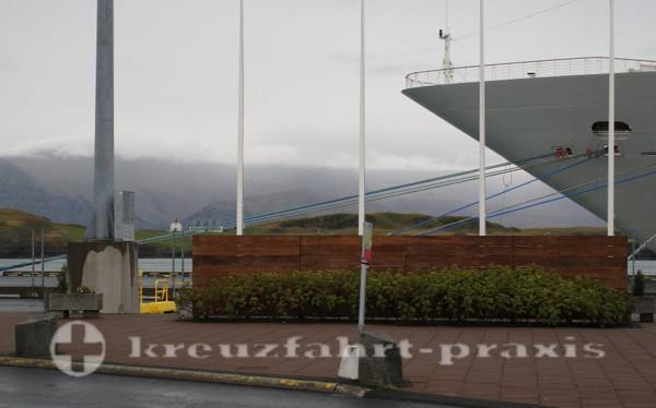 Kreuzfahrtschiff am Skarfabakki Kai