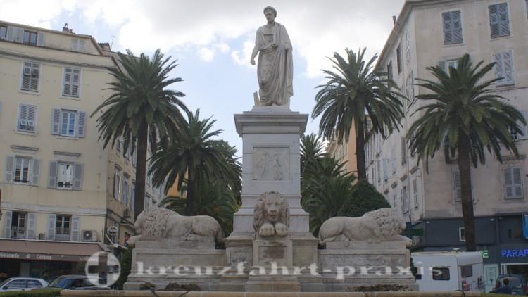 Ajaccio - Löwenbrunnen mit Napoléon-Statue