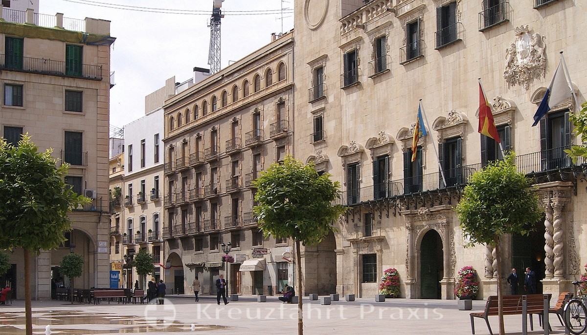 Plaza Ayuntamiento - in the historical center